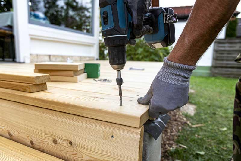 Terrassenbau mit Lärchenholz