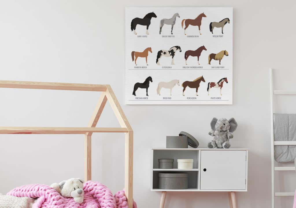 Bild mit weißem Pferd und Fohlen im Kinderzimmer