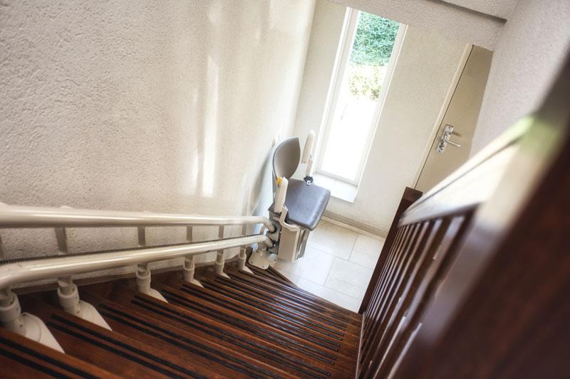Treppenlift montieren