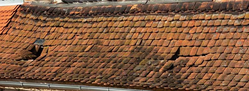 Dach Sanierungsbeduerftig