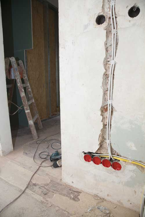 Elektroleitungen unter putz legen