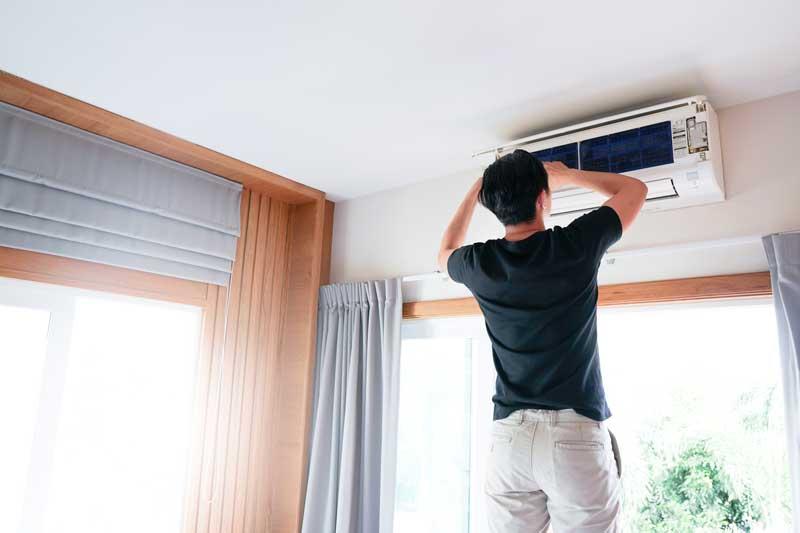 Installation Klimaanlage im Schlafzimmer